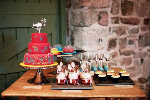 Mehndi Cake Birmingham : Pink shoes and mendhi a scottish indian wedding