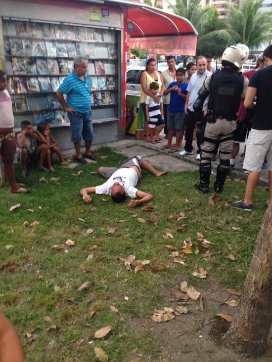 Ladrón lichado por la gente en Brasil