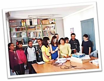 El entusiasmo del profesorado se contagia rápidamente a los estudiantes, que desean poner manos la obra, lo antes posible...