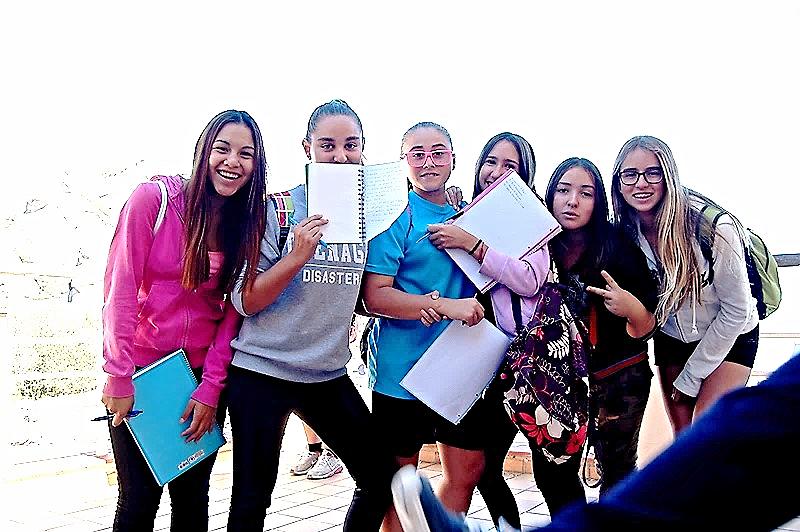 Estudiantes de Educación Secundaria Obligatoria del Instituto de Sils / Ma Assumpció Abel's Gallery > Montserrat. Picasa
