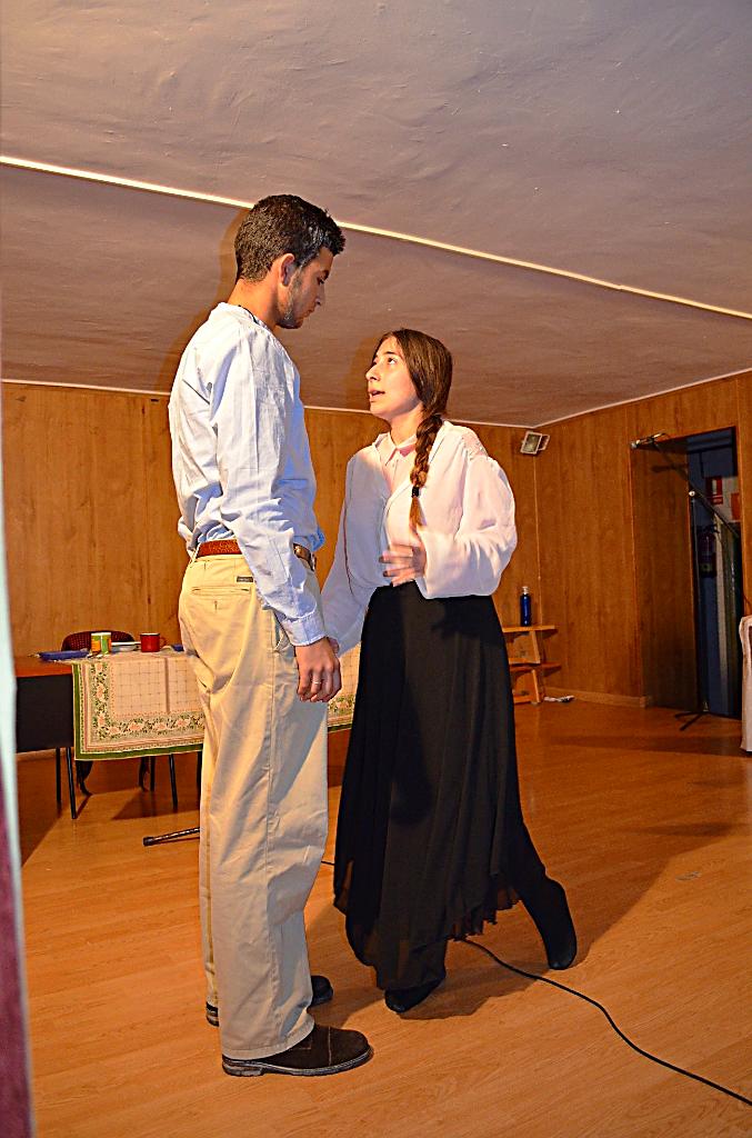 Estudiantes del IES 'García Lorca' de Algeciras, representando una escena de la obra teatral Yerma, de Federico García Lorca