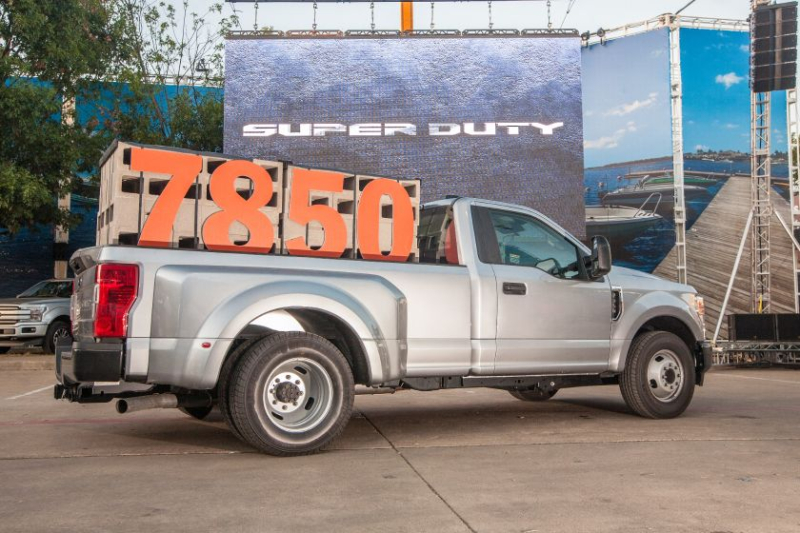 2020 Ford F-450 Carrying 7,850 Pounds