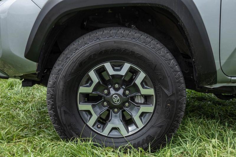 2021 Toyota Tacoma TRD Off-Road tire