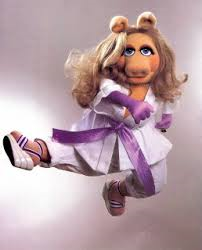 Miss piggy karate