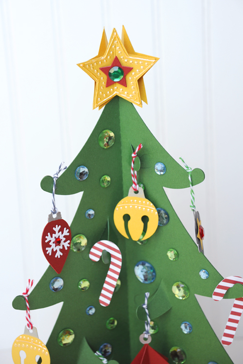 Christmas Countdown Week: Christmas Tree Countdown by Jana Eubank for #EchoParkPaper and #CartaBellaPaper