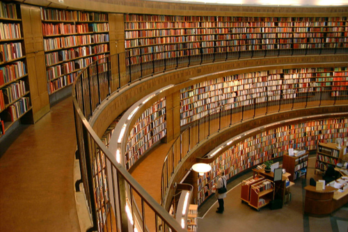 800px-Interior_view_of_Stockholm_Public_Library