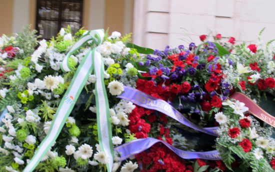Betis wreath.cr